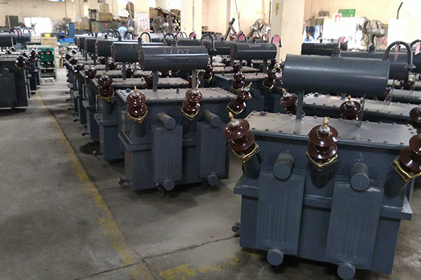 Step Up / Down HT Distribution Transformer